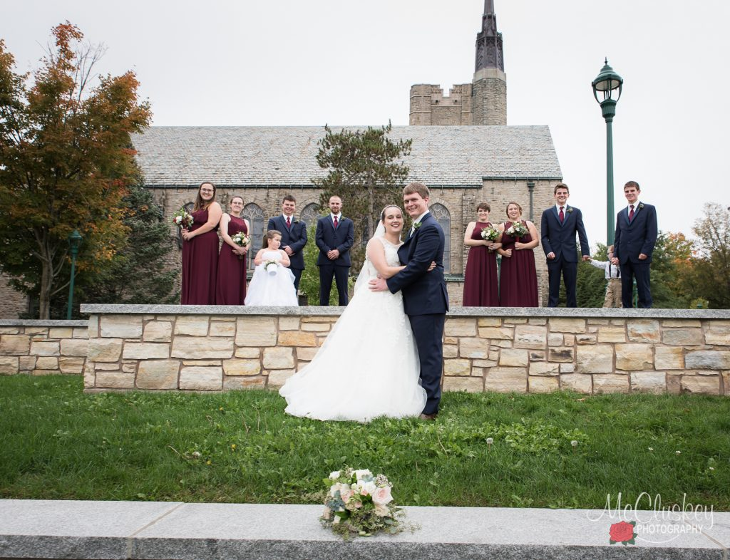 wedding party posing ideas